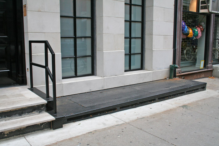 LB Diamond Plate cover and door 2