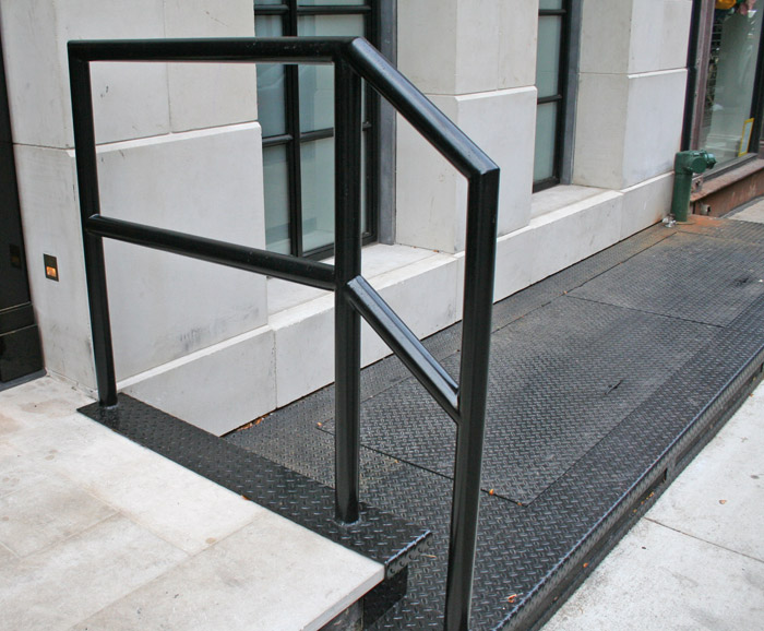 LB Diamond Plate cover and door 3