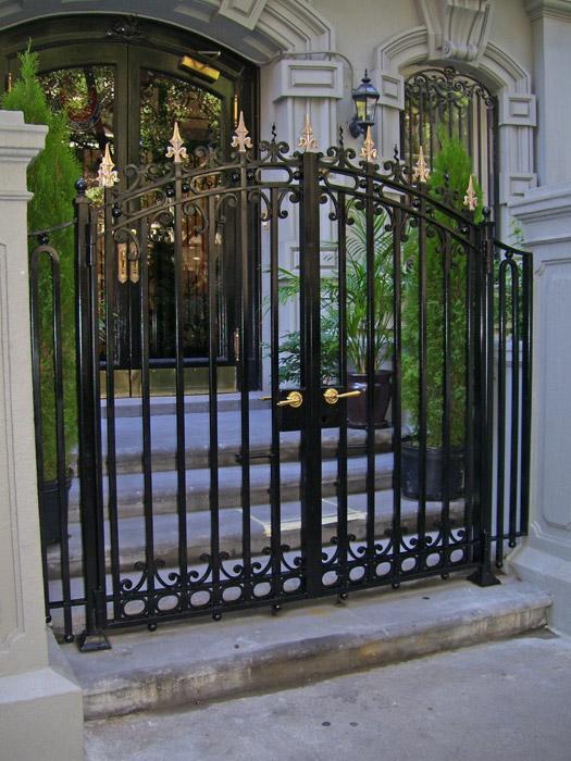 MG custom entry gate