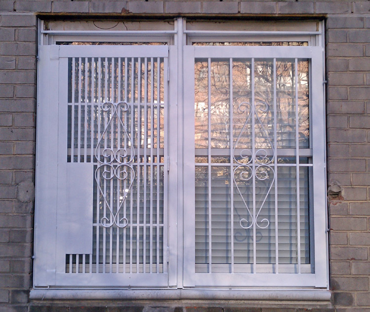 NYPG-SBG Exterior Gate for Double Window – white