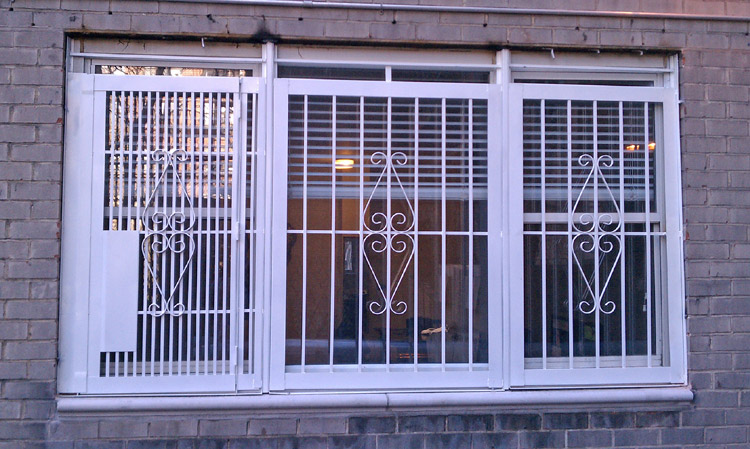 NYPG-SBG Exterior Gate for triple window