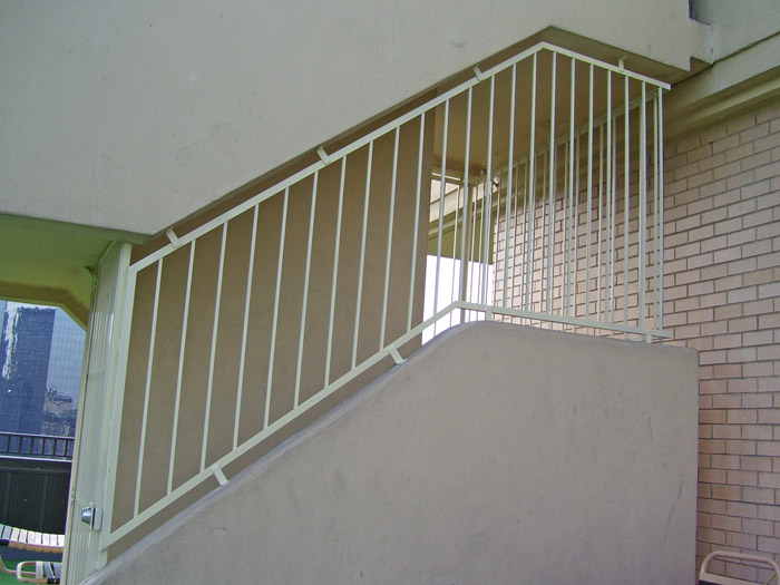 OL gate and stair fence 3